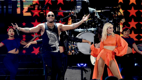 Rapper Flo Rida brings the Party to the 2016 Teen Choice Awards!!!