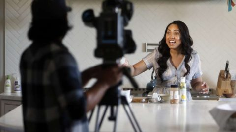 "Ayesha Curry's ""Holiday Cookie Competition"" !"