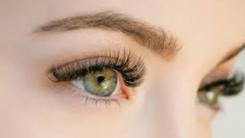 Beauty Tip Tuesday:Make Your Own Eyelash Serum