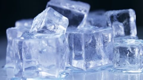 Beauty Tip Tuesday : Five Ways Ice Can Be Used in Beauty